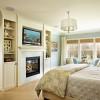 Оригинальный дизайн спальни с камином