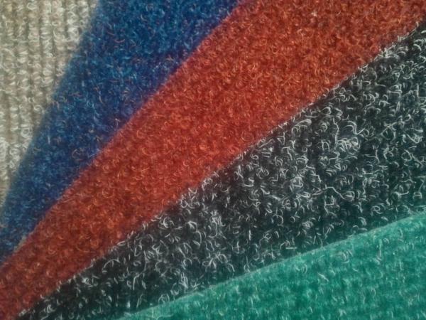 Разновидности покрытий из ковролина в магазине