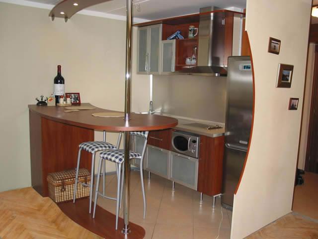 Ремонт кухни с барной стойкой